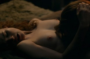 Sophie Skelton nude topless, butt and some sex – Outlander (2018) s4e8 HDTV 1080p