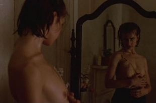 Nastassja Kinski nude topless and sex – Maria's Lovers (1984)