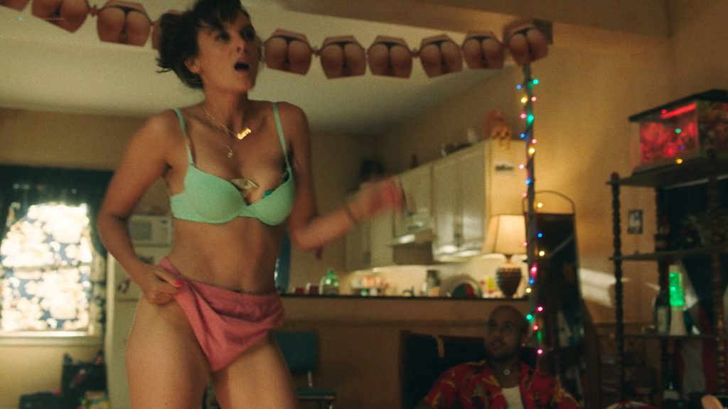 Frankie Shaw hot lingerie Samara Weaving masturbate in shower – Smilf (2019) s2e8 HD 1080p (2)