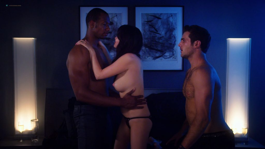 Kelli Berglund nude Roxane Mesquida nude sex threesome - Now Apocalypse (2019) s1e8 HD 1080p (8)