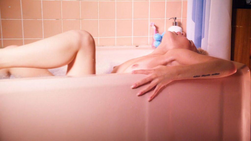 Kelli Berglund nude sex Roxane Mesquida nude sex thtreesome again - Now Apocalypse (2019) s1e9 HD 1080p (7)