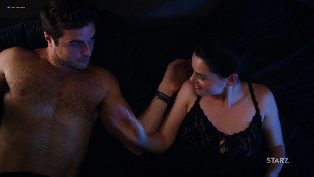 Kelli Berglundnude topless and pee Roxane Mesquida sexy - Now Apocalypse (2019) s1e4 HD 1080p (2)
