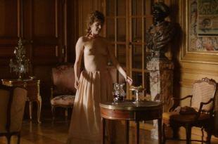Manon Kneusé nude topless – Mademoiselle de Joncquières (FR-2018) HD 1080p