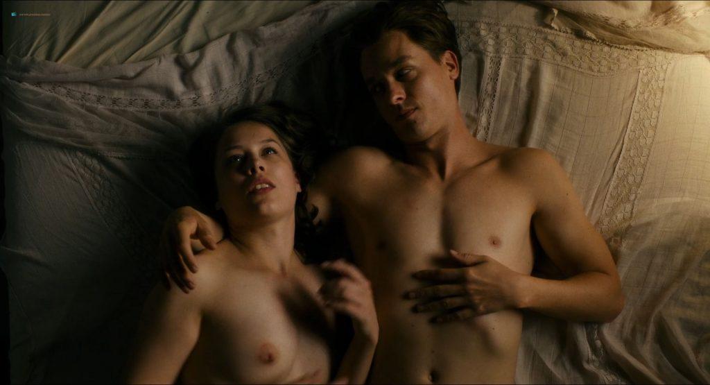 Paula Beer nude full frontal Saskia Rosendahl and Ulrike C. Tscharre nude - Werk ohne Autor (DE-2018) HD 1080p (8)