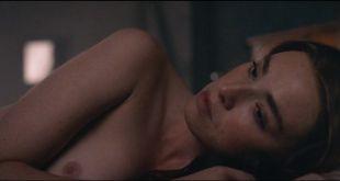 Freya Mavor nude topless - L'Empereur de Paris (FR-2018) HD 1080p BluRay (5)