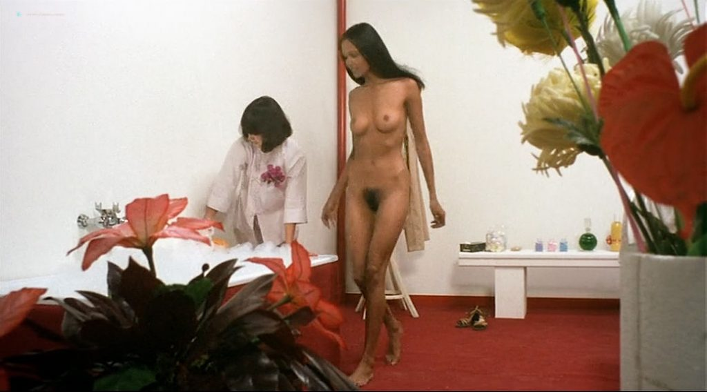 Laura Gemser nude full frontal and lot of sex Ely Galleani and others nude - Emanuelle in Bangkok (1976) (16)