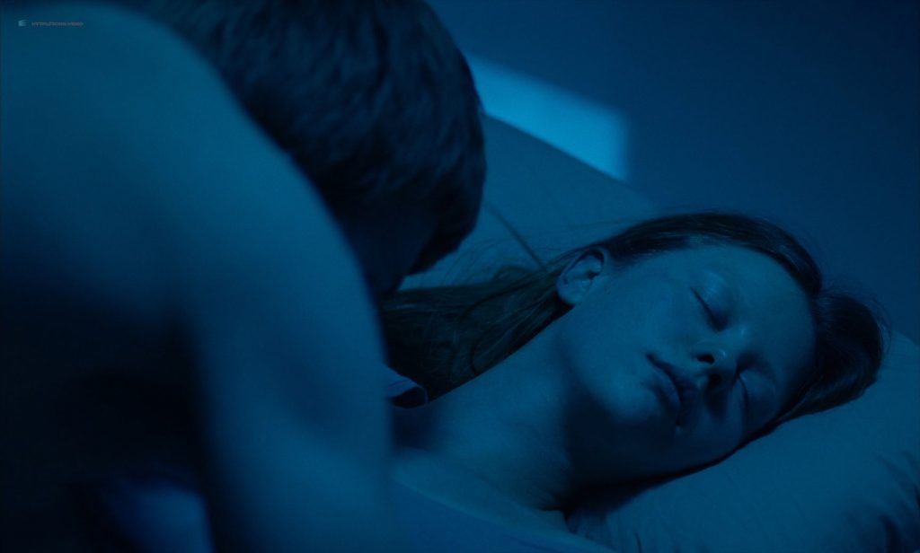 Mia Goth nude topless and Juliette Binoche nude too - High Life (2018) HD 1080p BluRay (6)