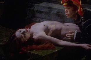 Sandrine Thoquet nude full frontal Magalie Aguado and others nude bush - La fiancée de Dracula (2002) HD 1080p (12)
