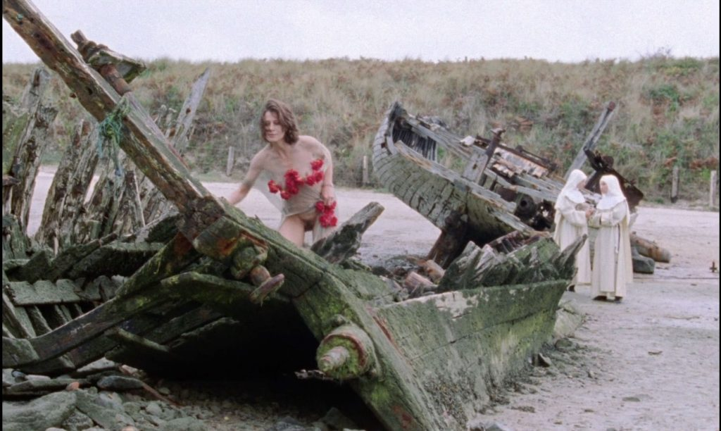 Sandrine Thoquet nude full frontal Magalie Aguado and others nude bush - La fiancée de Dracula (2002) HD 1080p (7)