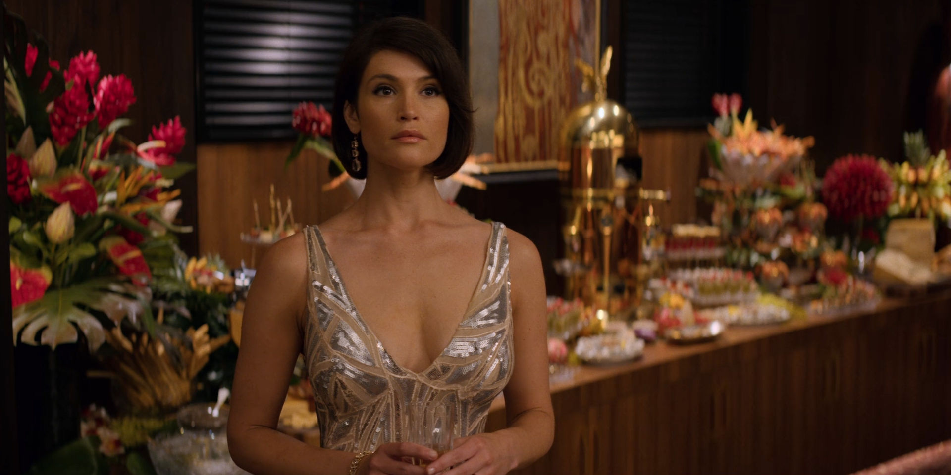 Jennifer Aniston hot Gemma Arterton sexy - Murder Mystery (2019) HD 1080p Web (7)