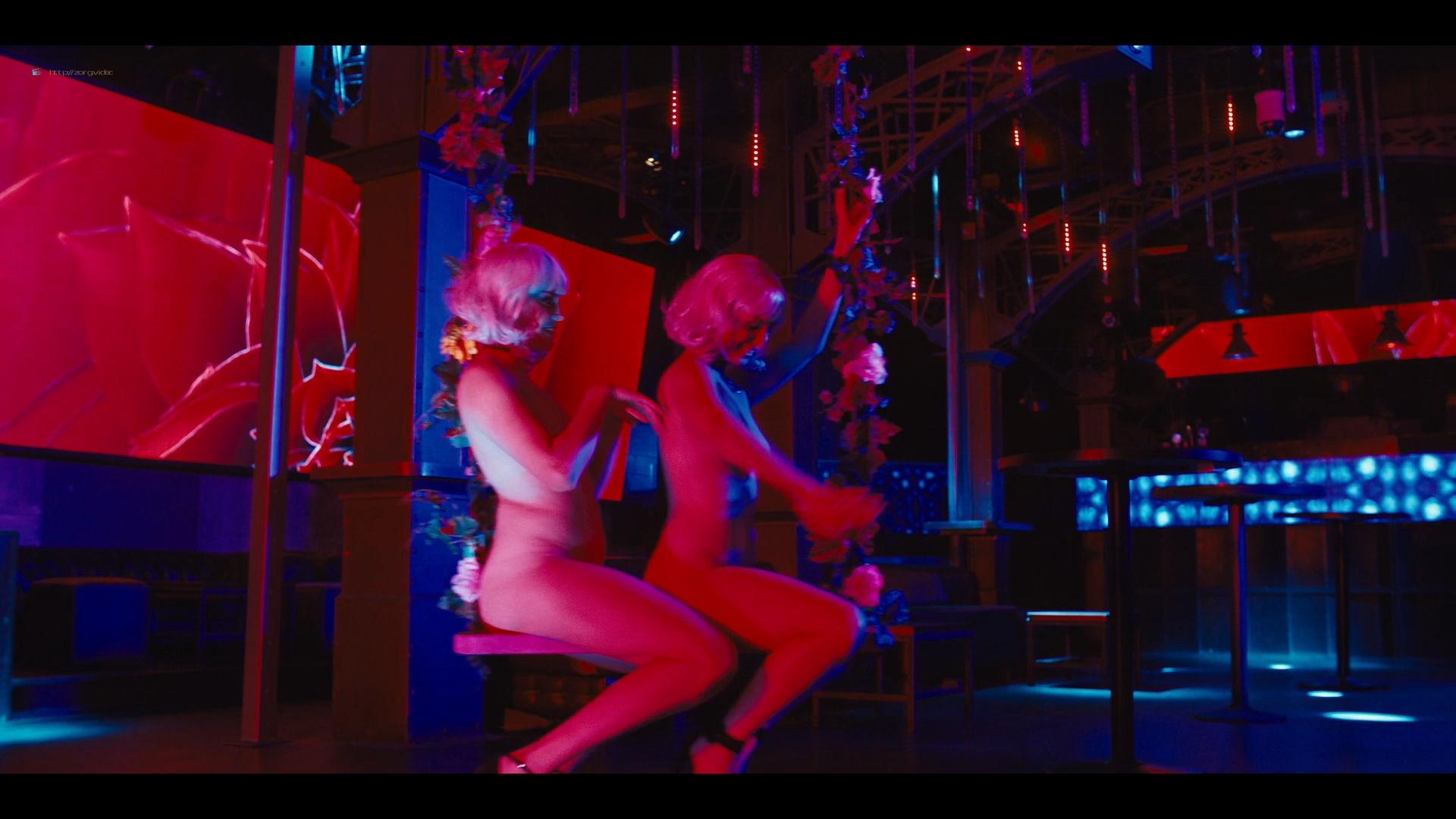 Carla Gugino sexy Gaite Jansen nude topless - Jett (2019) s1e4 HD 1080p (2)
