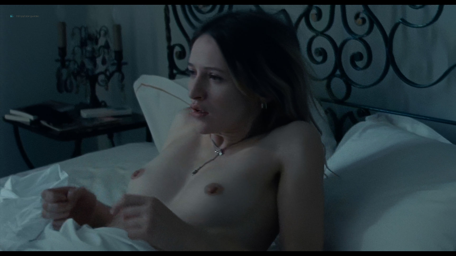 Christa Theret nude topless Juliette Binoche sex - Doubles vies (2018) HD 1080p Web (11)