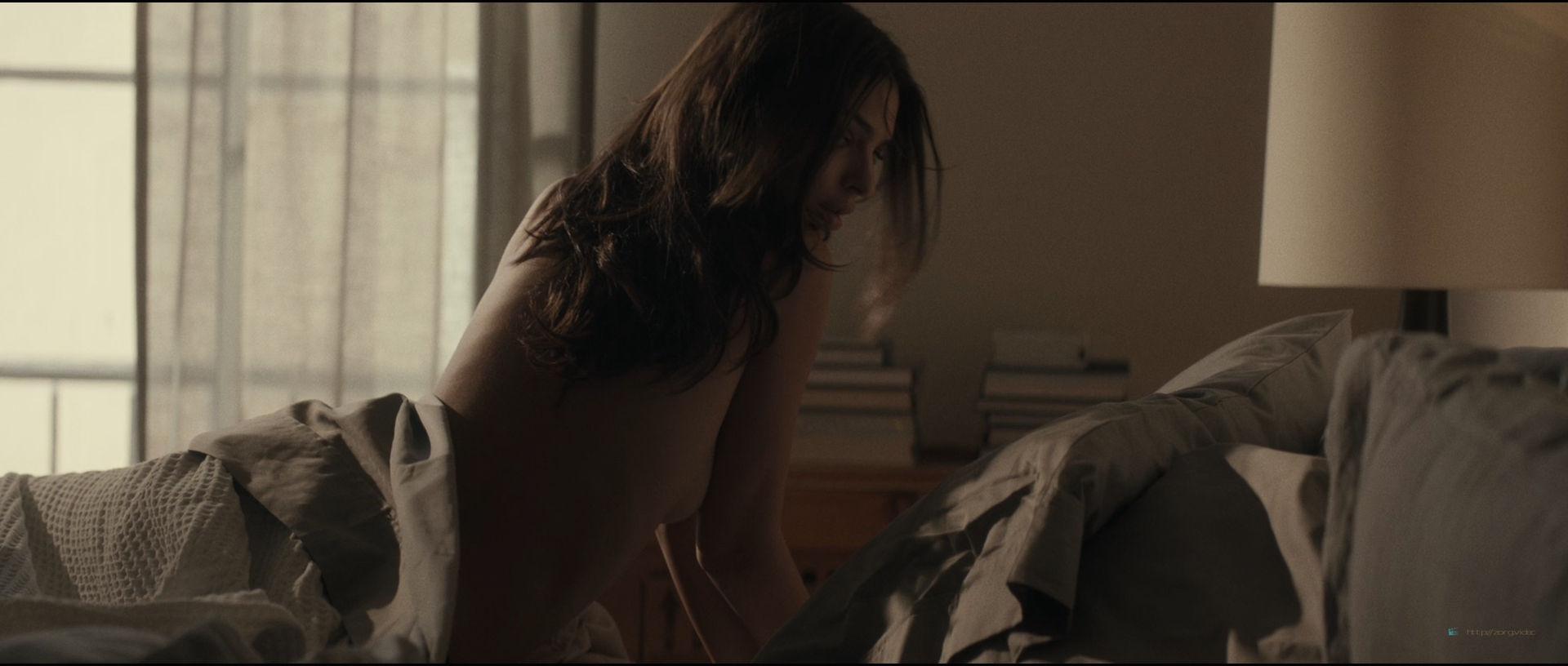 Emily Ratajkowski hot sideboob - Lying and Stealing (2019) 1080p WEB (9)