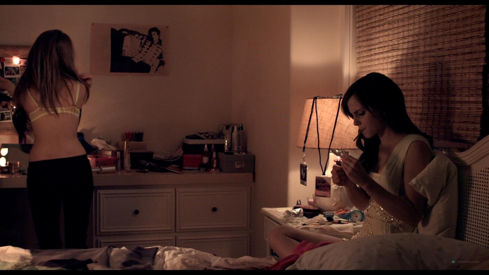 Emma Watson hot Taissa Farmiga and others sexy - The Bling Ring (2013) HD 1080p BluRay (6)