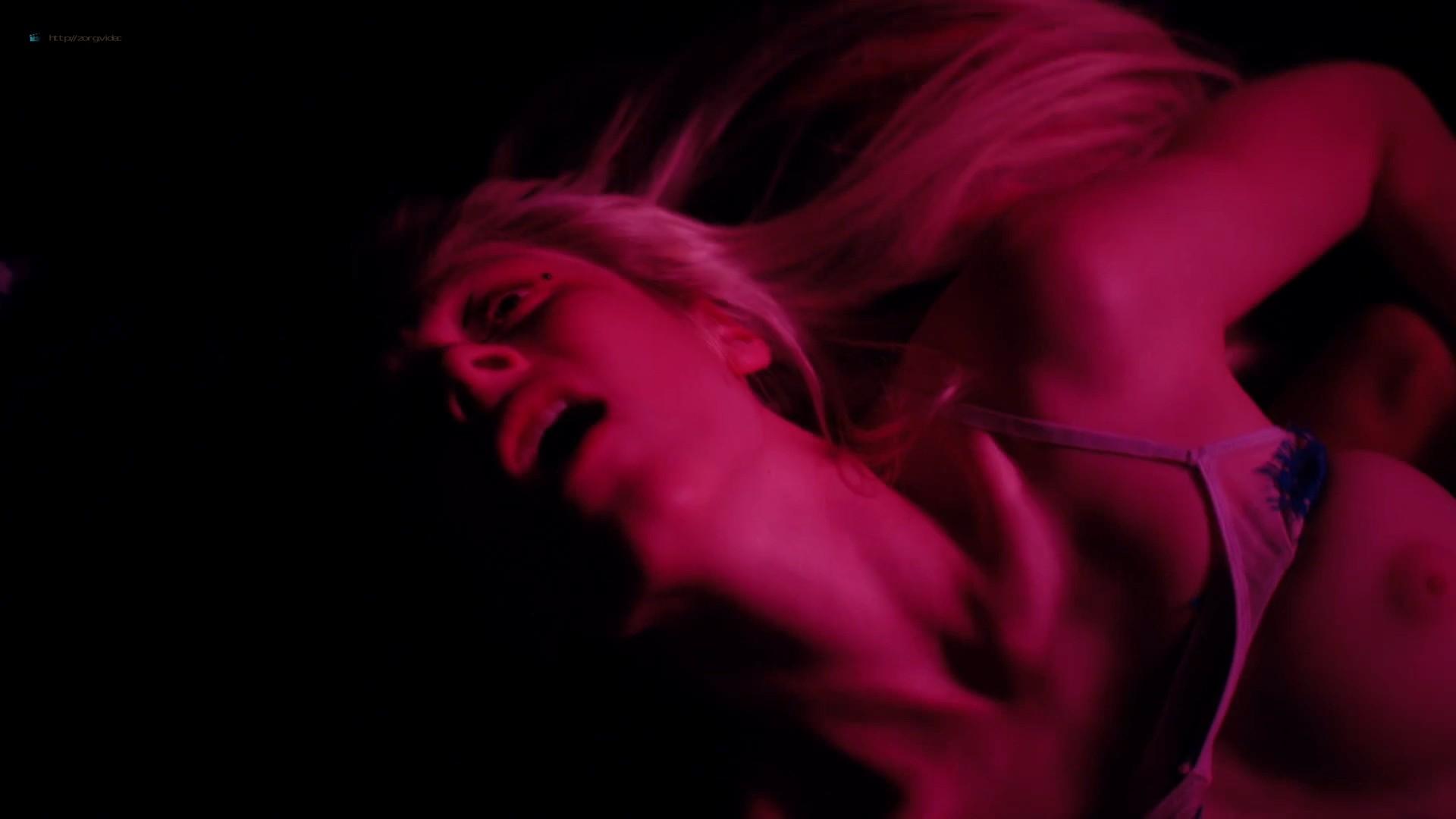 Hunter Schafer nude topless, Sydney Sweeney, Zendaya hot - Euphoria (2019) s1e7 HD 1080p (4)