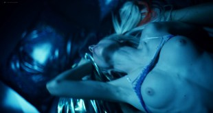 Hunter Schafer nude topless, Sydney Sweeney, Zendaya hot - Euphoria (2019) s1e7 HD 1080p (3)