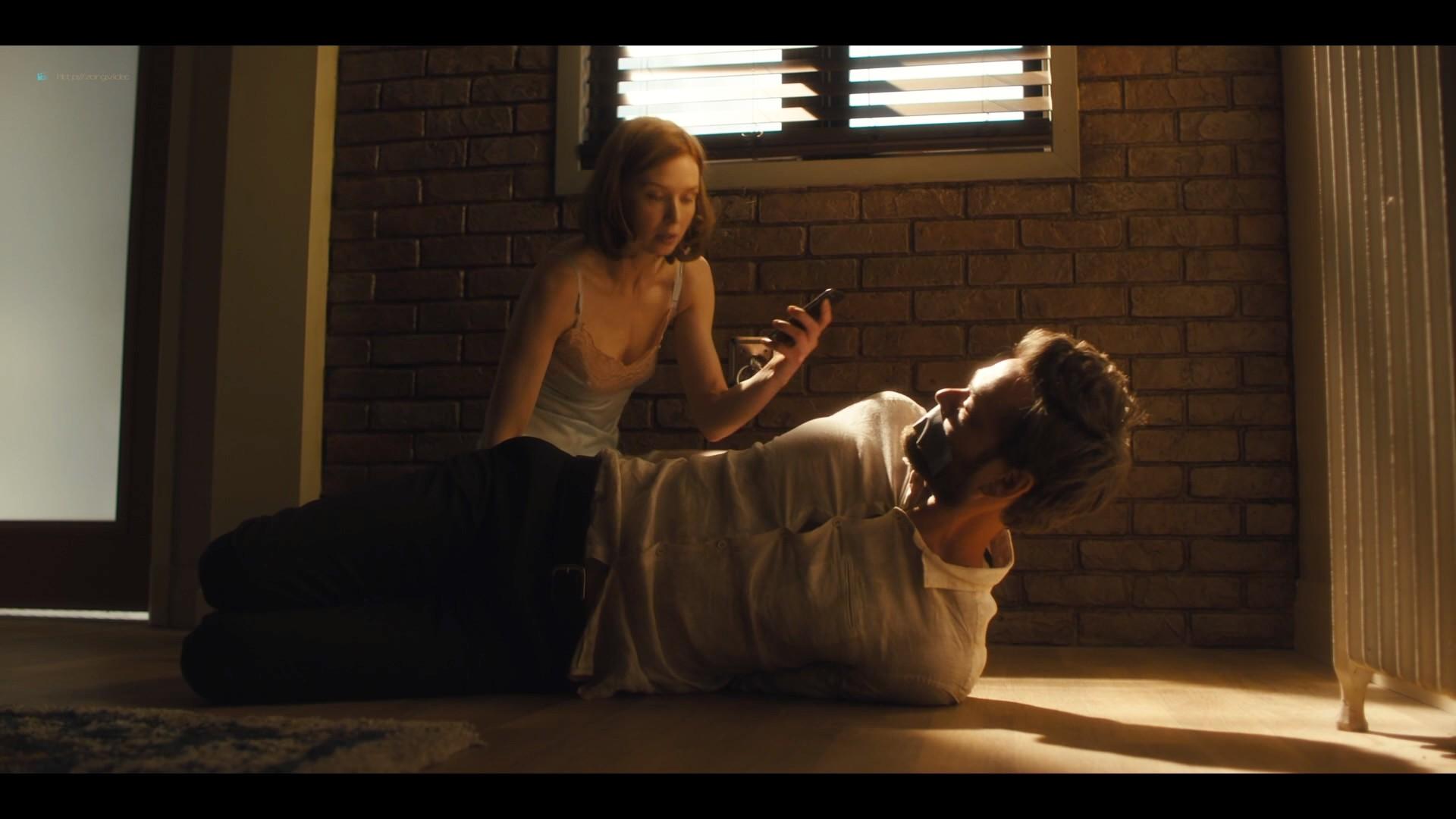 Lucy Walters sexy Carla Gugino, Natalie Hall hot - Jett (2019) s1e7 HD 1080p (15)