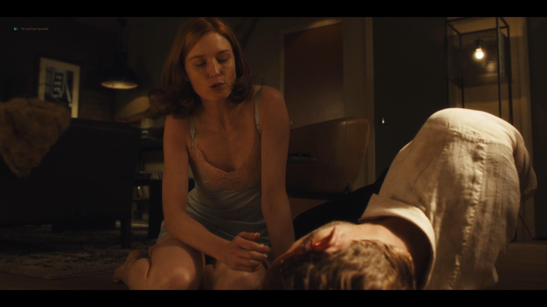Lucy Walters sexy Carla Gugino, Natalie Hall hot - Jett (2019) s1e7 HD 1080p (12)