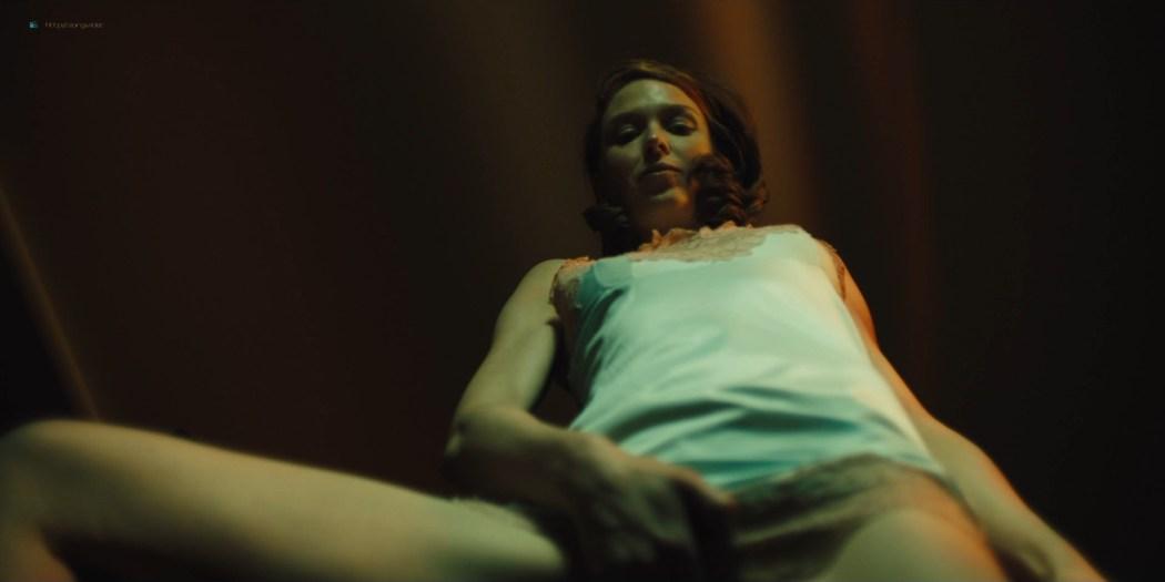 Lucy Walters sexy Carla Gugino, Natalie Hall hot - Jett (2019) s1e7 HD 1080p (10)