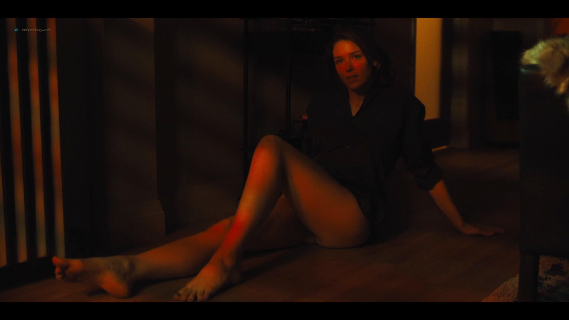 Lucy Walters sexy Carla Gugino, Natalie Hall hot - Jett (2019) s1e7 HD 1080p (8)