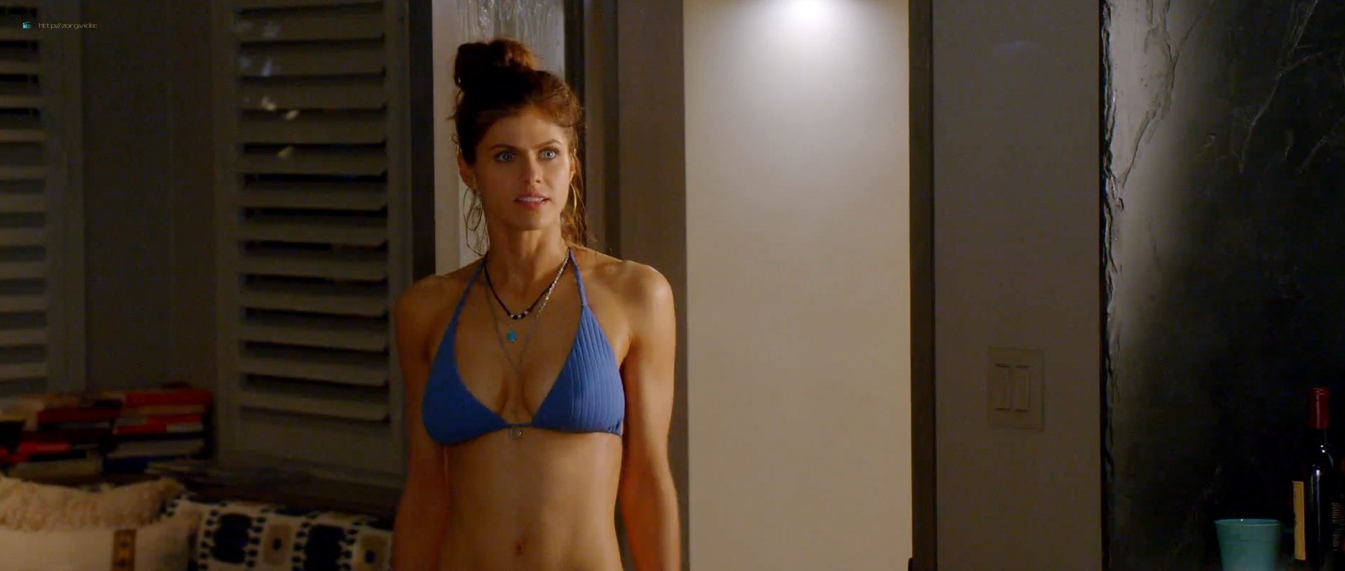 Alexandra Daddario hot busty in a bikini - Why Women Kill (2019) s1e1 HD 1080p Web (2)