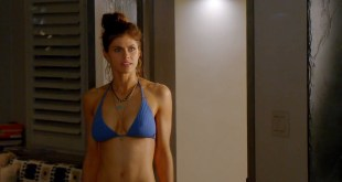 Alexandra Daddario hot busty in a bikini - Why Women Kill (2019) s1e1 HD 1080p Web (2)