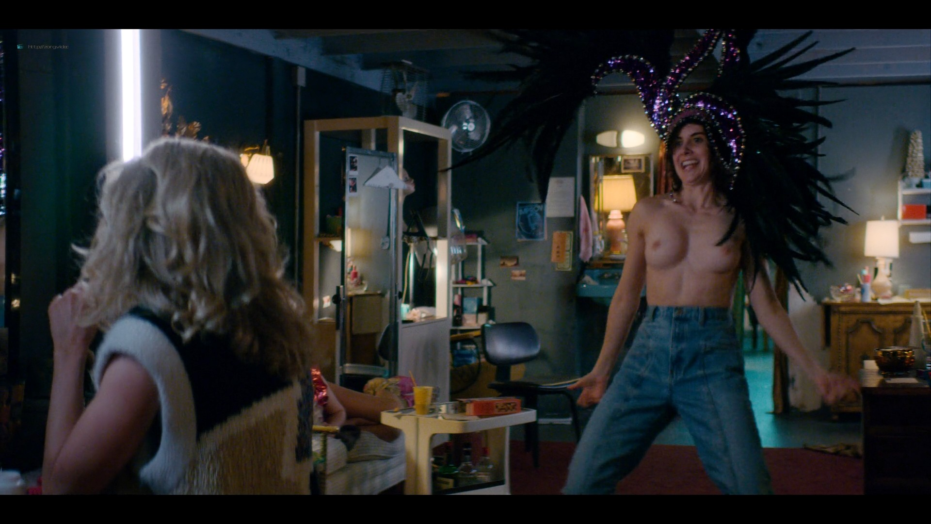 Alison Brie nude topless and sexy - Glow (2019) S3 HD 1080p Web (12)