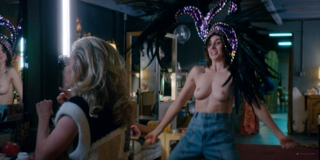 Alison Brie nude topless and sexy - Glow (2019) S3 HD 1080p Web (10)