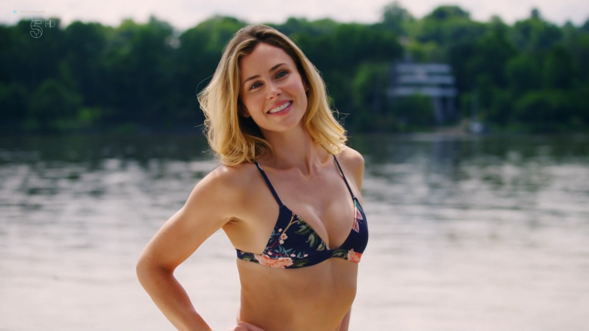 Anna Hutchison hot bikini Melissa Bolona and others sexy too - Murder at the Mansion (2018) HDTV 1080p (5)