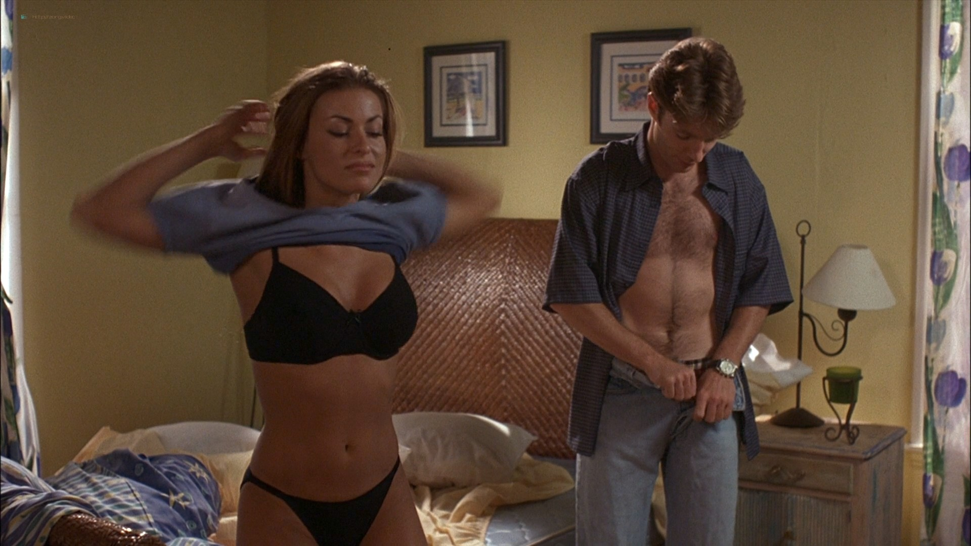 Carmen Electra sexy in a few hot sex scenes - The Mating Habits of the Earthbound Human (1999) HD 1080p WEB (6)