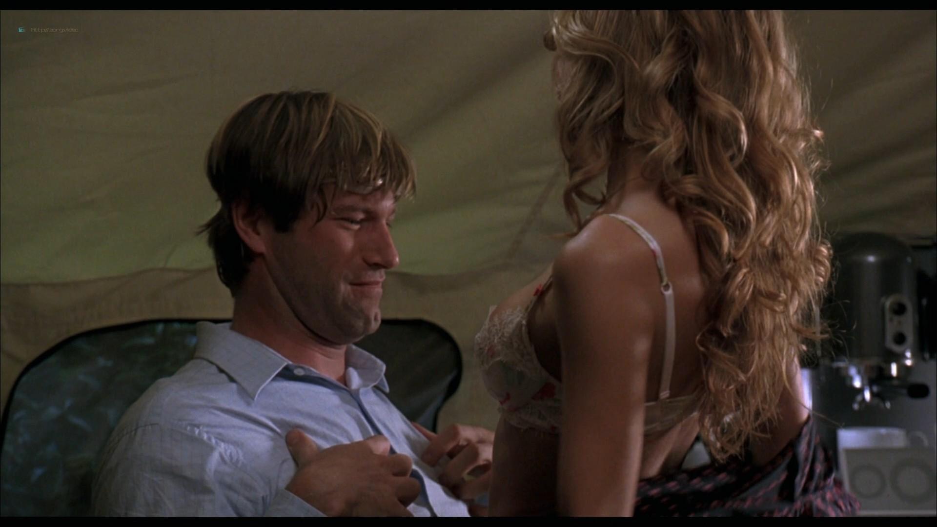 Elizabeth Banks hot in lingerie Jessica Alba and Sarah Howard hot - Meet Bill (2007) HD 1080p BluRay (3)