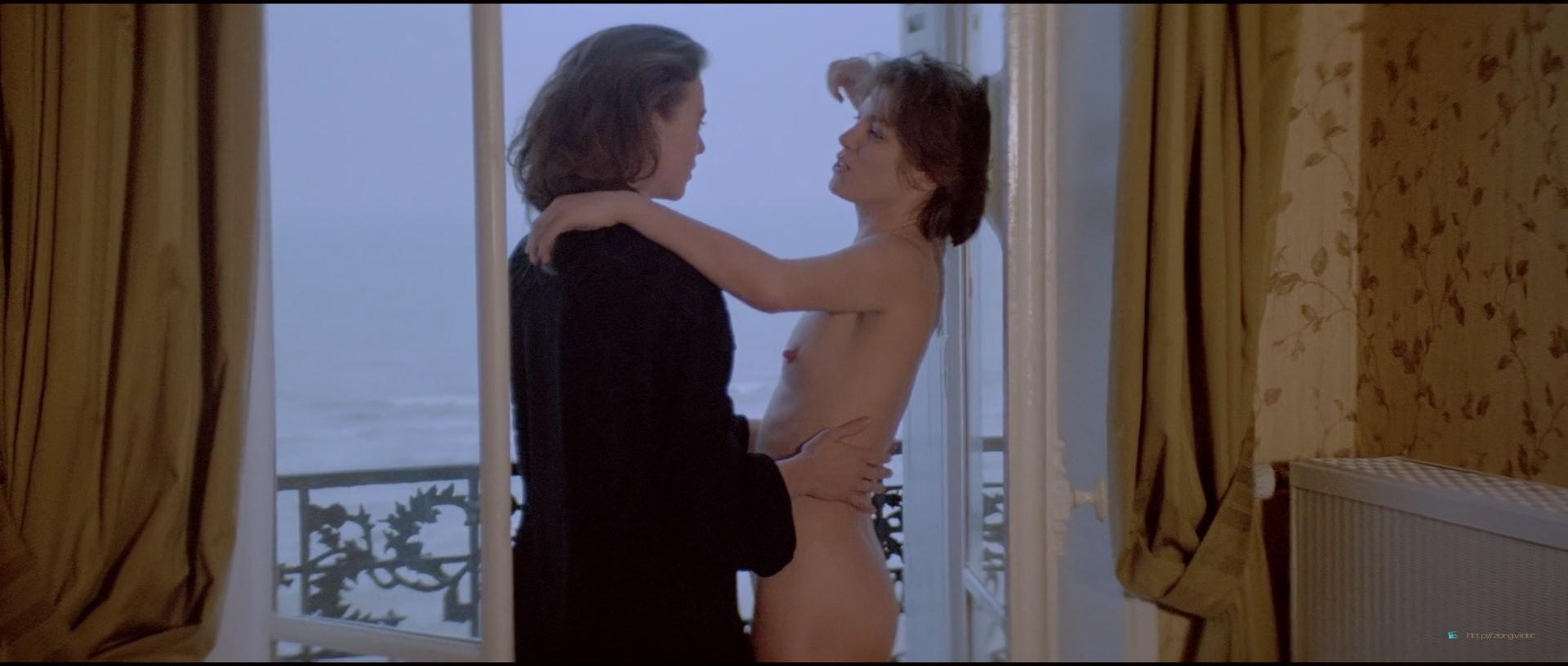 Jane Birkin nude bush Maruschka Detmers nude full frontal - La pirate (FR-1984) HD 1080p BluRay (8)