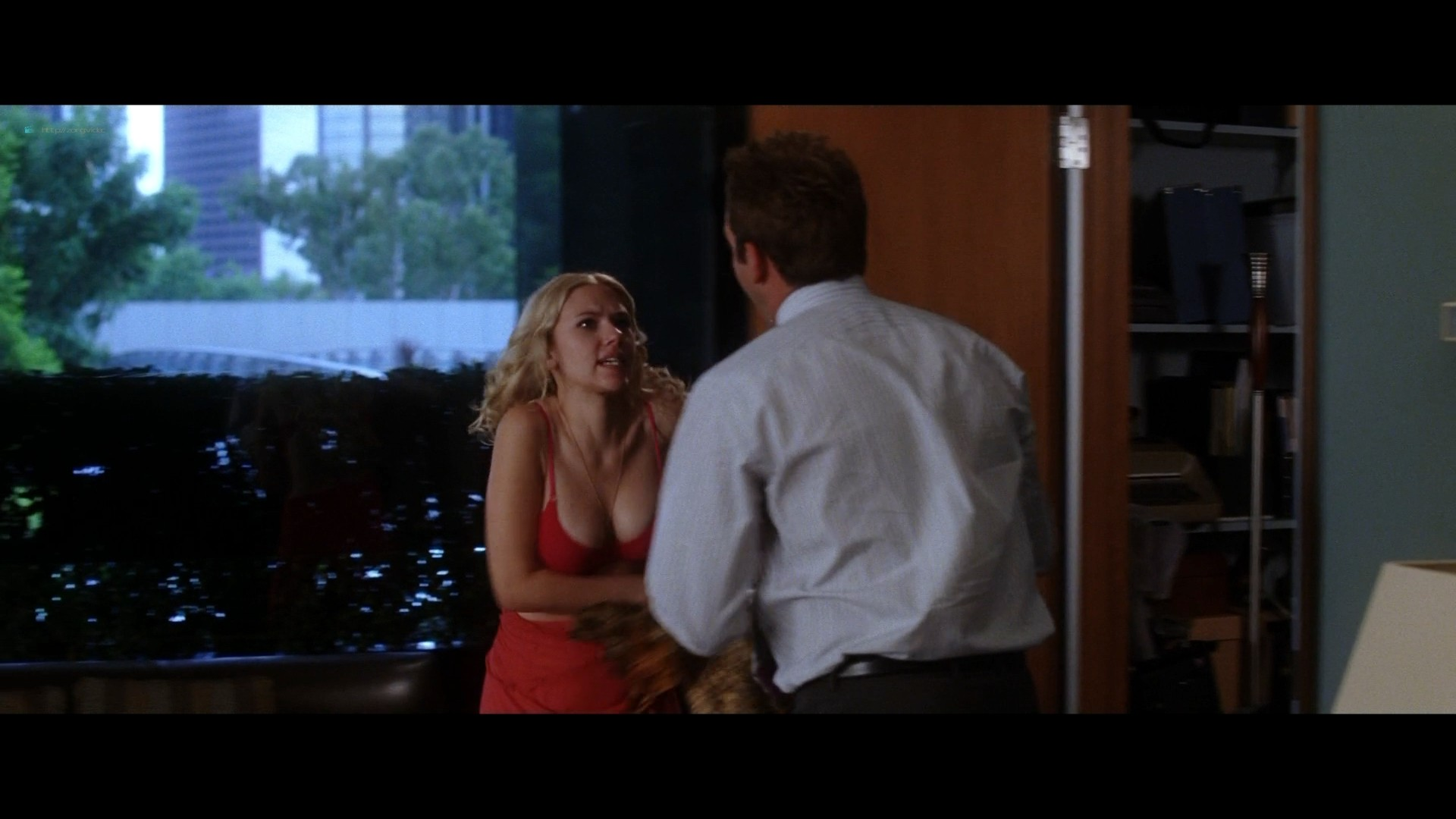 Scarlett Johansson hot and some sex Jennifer Connelly bra - He's Just Not That Into You (2009) HD 1080p BluRay (4)