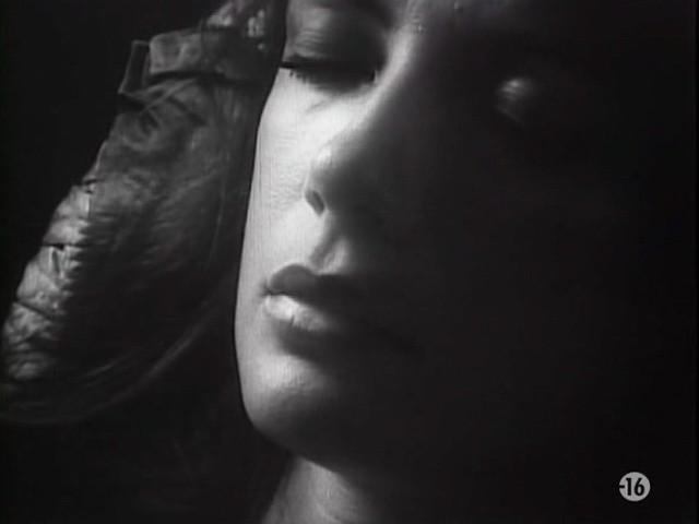 Carole Laure nude and explicit sex - L'ange et la Femme (1977) (18)