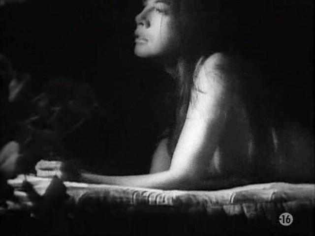 Carole Laure nude and explicit sex - L'ange et la Femme (1977) (9)