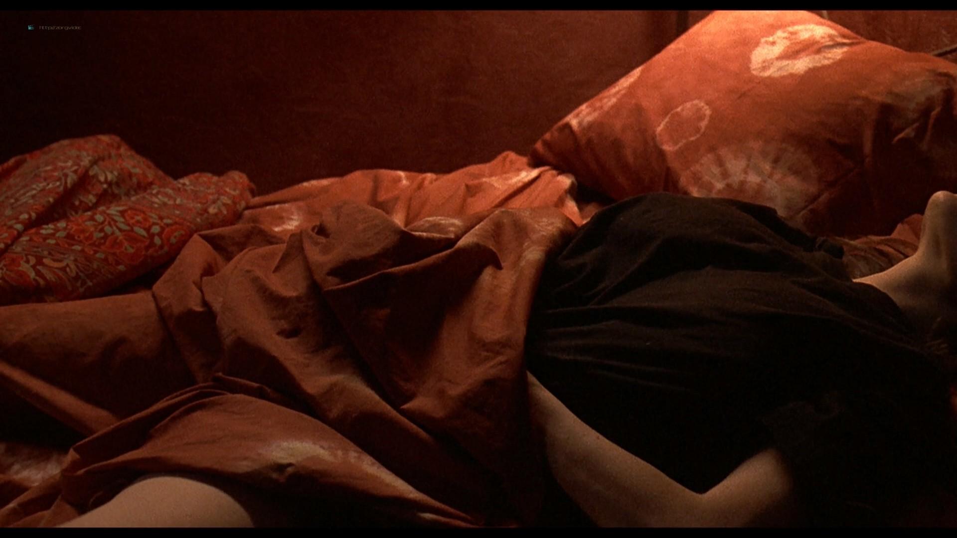 Jennifer Connelly nude side boob sex in – Waking the Dead (2000) HD 1080p BluRay (12)