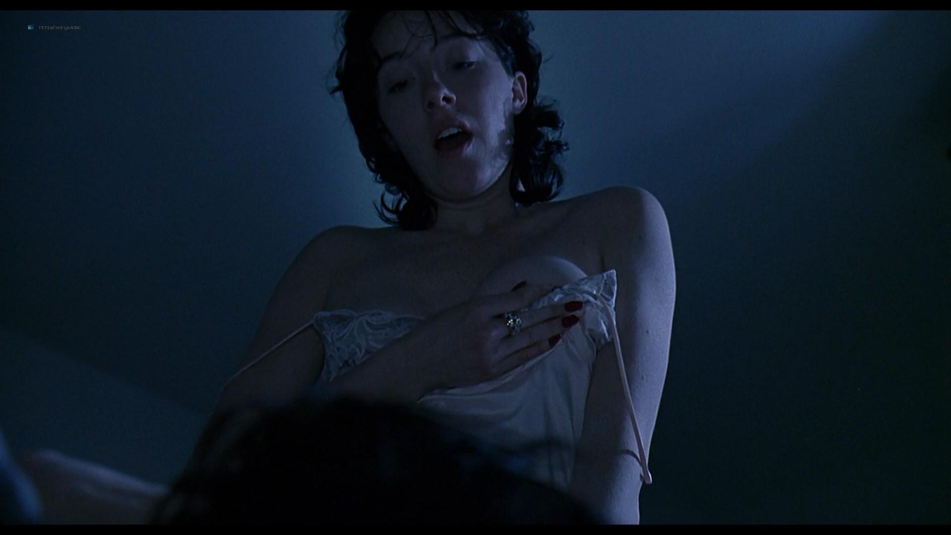 Jennifer Connelly nude side boob sex in – Waking the Dead (2000) HD 1080p BluRay (10)