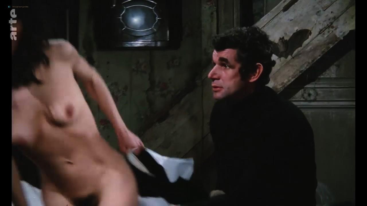 Bernadette Lafont nude bush and butt - La fiancée du pirate (1969) HDTV 720p (8)