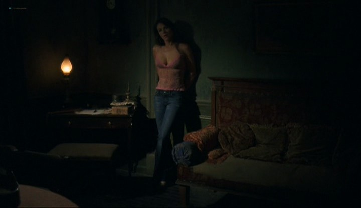 Elizabeth Hurley hot and sexy - Method (2004) (9)