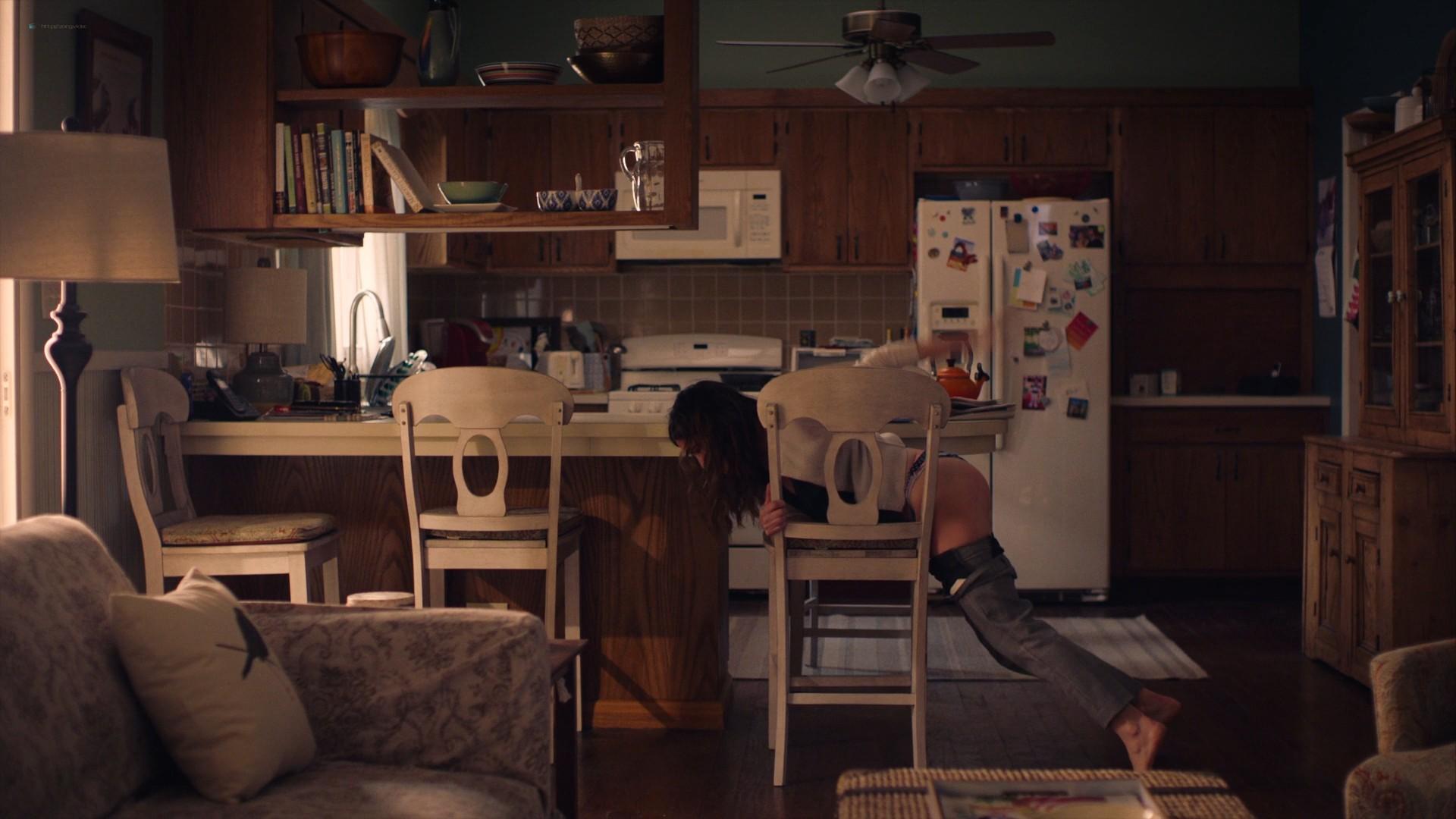 Kathryn Hahn nude sex Jasmine Cephas Jones hot - Mrs. Fletcher (2019) s1e5 1080p Web (17)