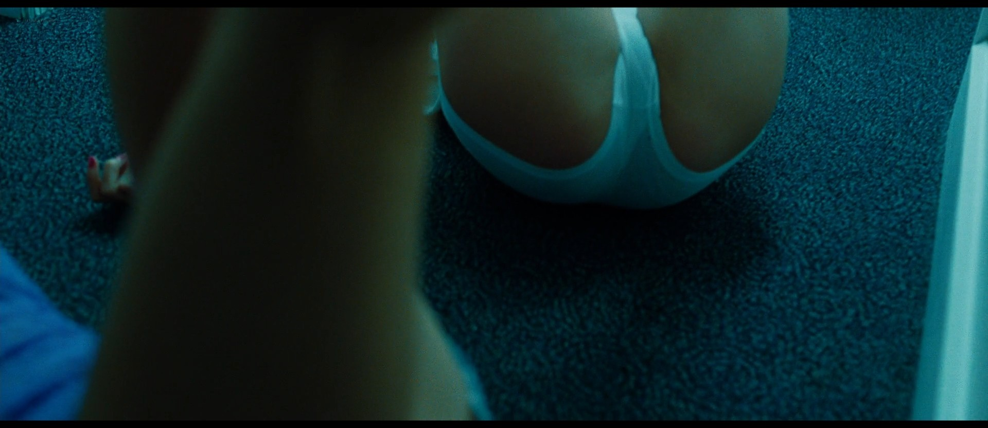 Ashley Benson nude skinny dipping others nude too - Spring Breakers (2012) HD 1080p BluRay (32)