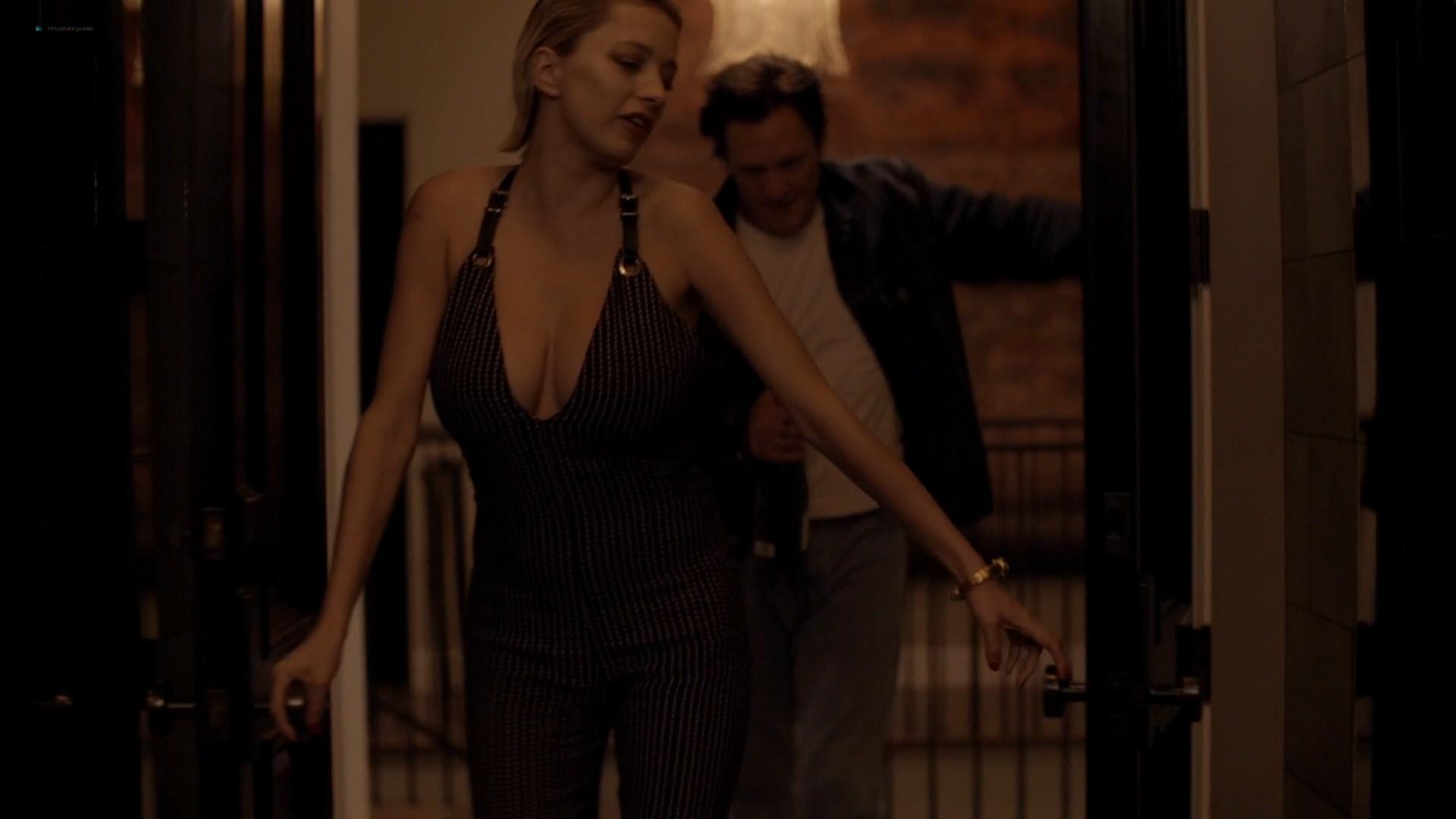 Caroline Vreeland busty see through Zoe Chait, Kenzie Dalton hot - Red Handed (2019) 1080p Web (17)