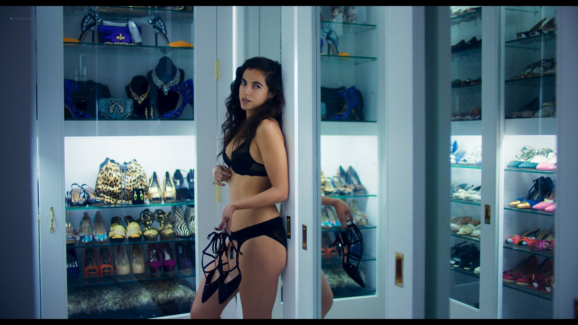 Cristina Rodlo hot sexy and dangerous - Too Old to Die Young (2019) S1 1080p (14)