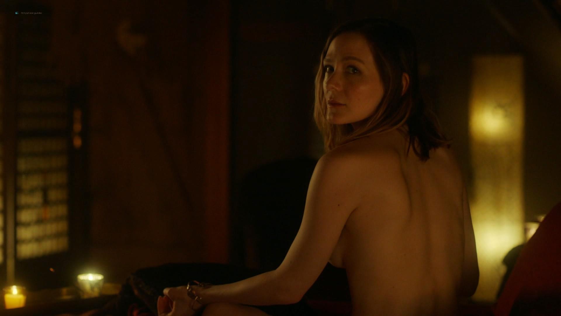 Louisa Krause nude side-boob Keren Dukes sexy - Ray Donovan (2019) s7e4 1080p (9)