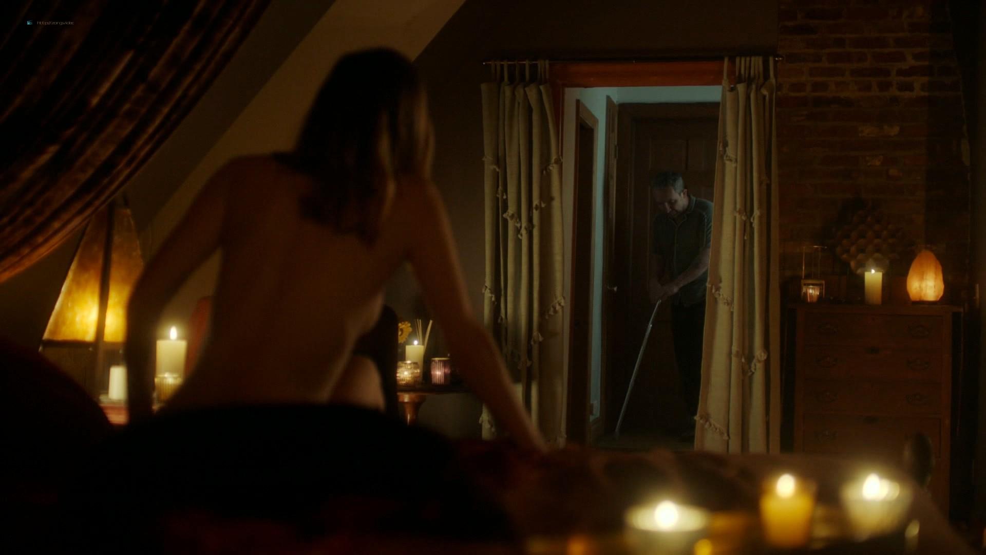 Louisa Krause nude side-boob Keren Dukes sexy - Ray Donovan (2019) s7e4 1080p (8)