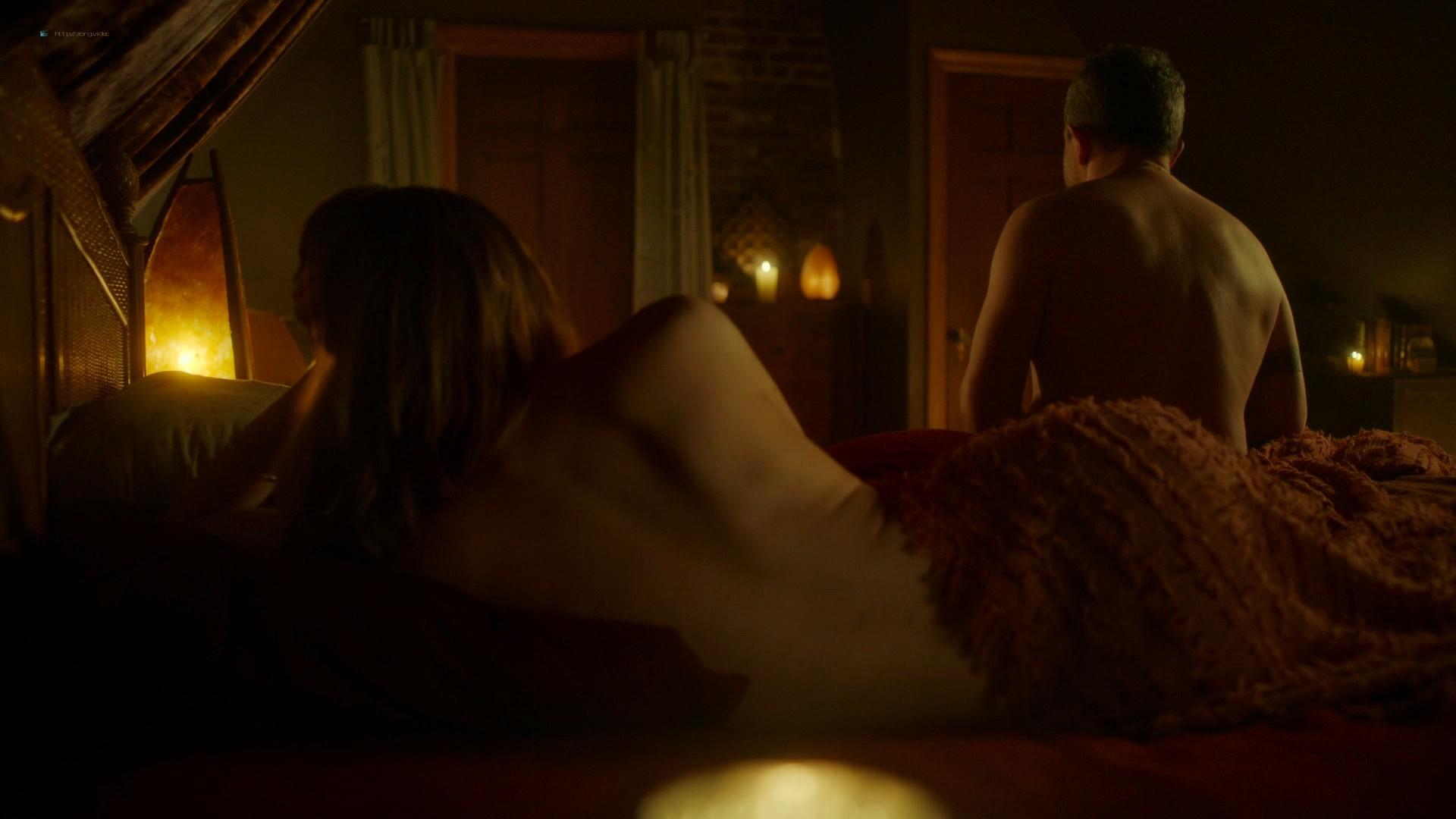 Louisa Krause nude side-boob Keren Dukes sexy - Ray Donovan (2019) s7e4 1080p (6)