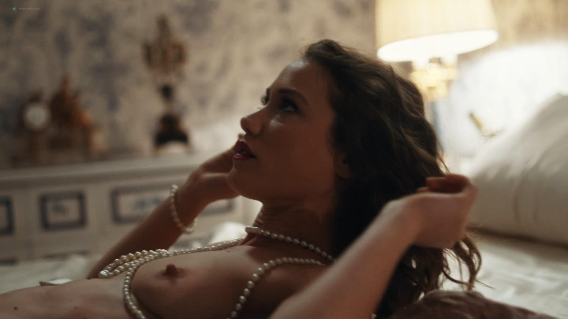 Jana Stojanovska nude sex Jovana Stojiljkovic and Marija Bergam sex - Black Sun (2017) s1e9-10 HD 1080p (7)