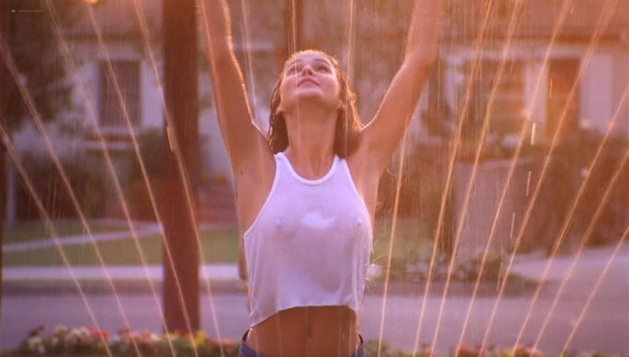 Keri Russell hot see-through -Eight Days a Week (1997) (17)