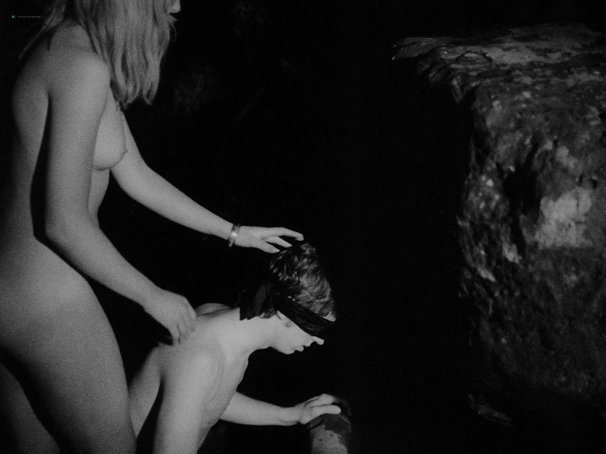 Maxine Sanders nude full frontal others nude too - Legend of the Witches (1970) HD 1080p BluRay (14)