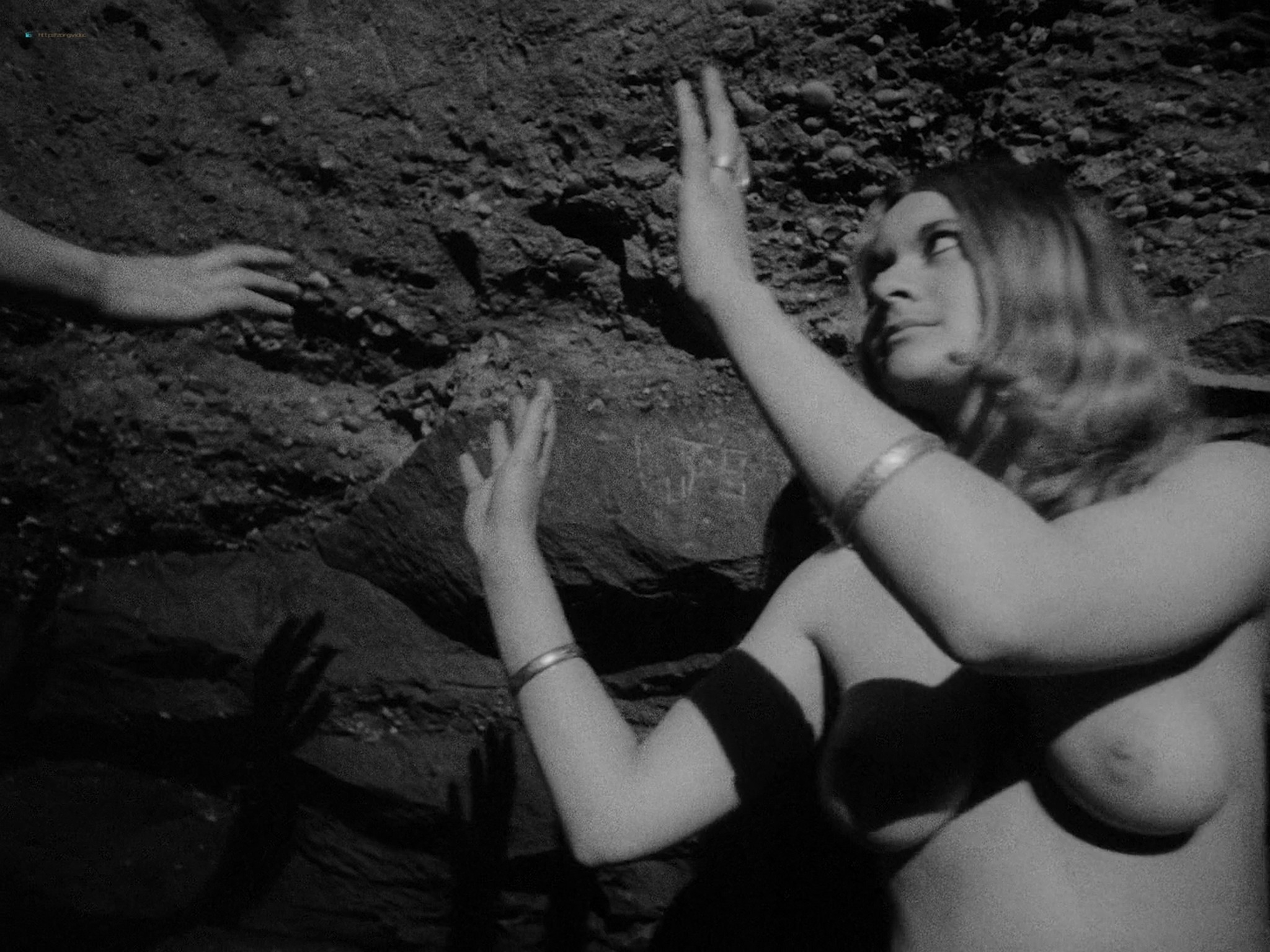 Maxine Sanders nude full frontal others nude too - Legend of the Witches (1970) HD 1080p BluRay (10)